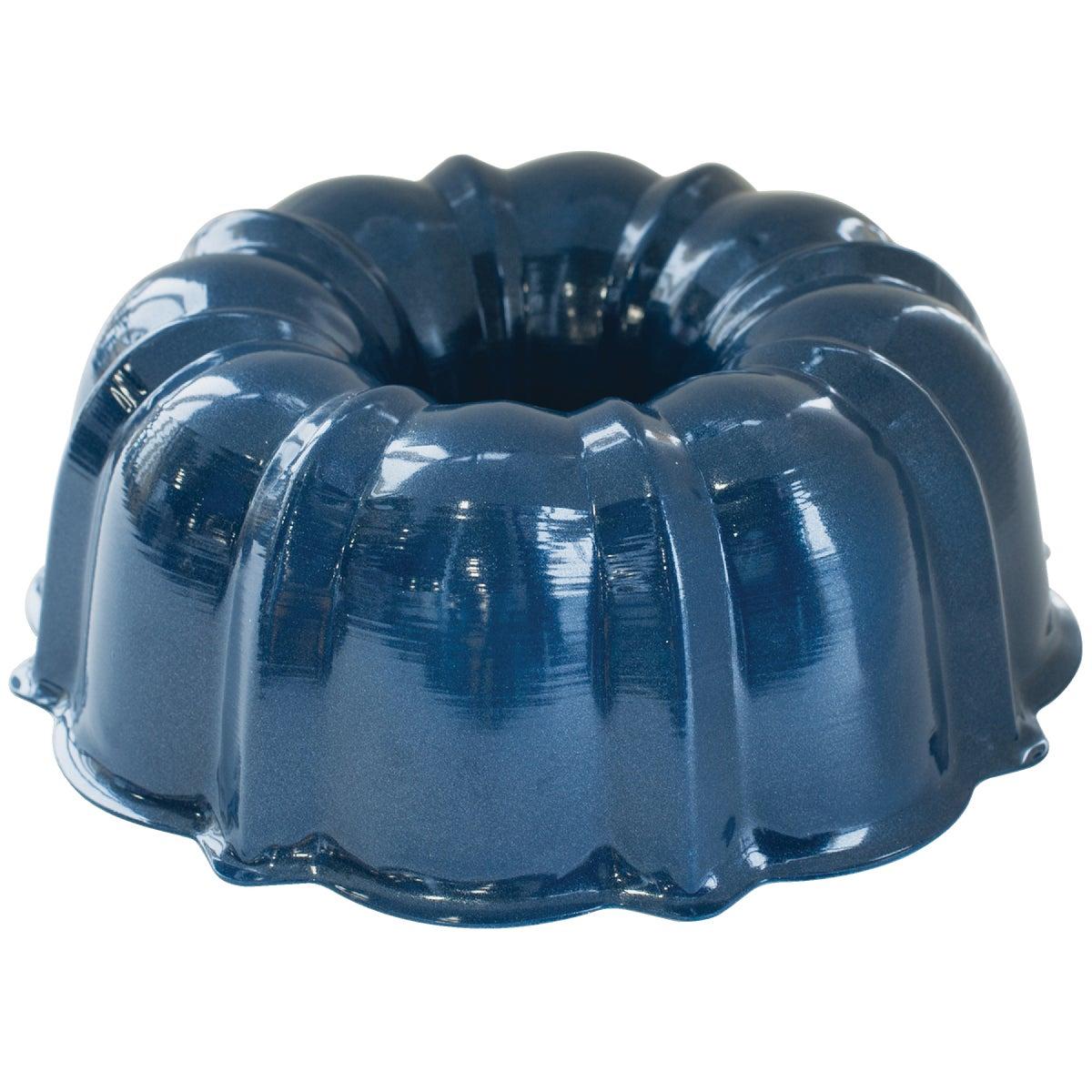 12 CUP BUNDT PAN - 51122 by Nordic Ware/reitenba