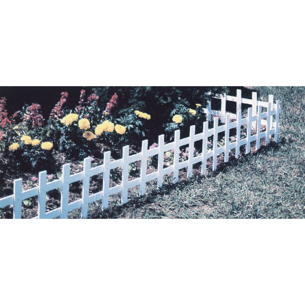PLASTIC CAPE COD FENCE - 38532 by Master Mark Pl Prod